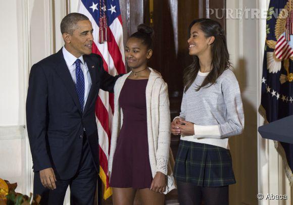 Barack Obama et ses deux filles sont très complices. Selon le président américain, les adolescentes et leur mère passent leur temps à le taquiner.