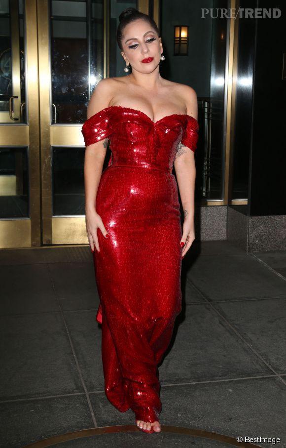 Visiblement épanouie, Lady Gaga serait-elle enceinte de son premier enfant ?