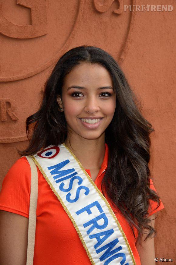 Flora Coquerel rendra son titre de Miss France le 6 décembre 2014.