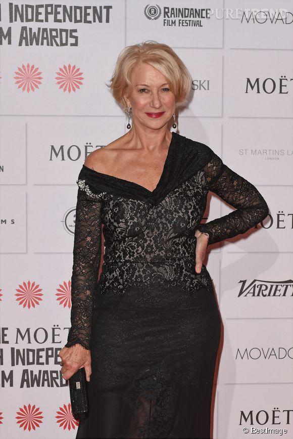 Helen Mirren sera bientôt septuagénaire mais cela ne l'empêche pas de jouer la carte du glamour sur les tapis rouges !