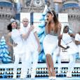 Ariana Grande se rhabille un peu pour Disney après avoir paradé très dévêtue pour Victoria's Secret.