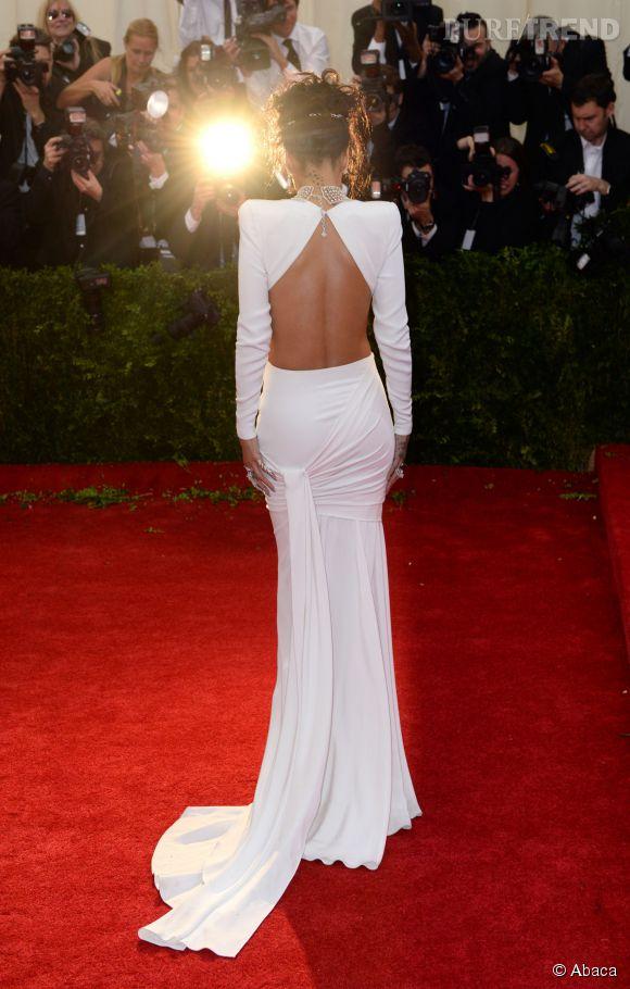 Rihanna nous flashe...