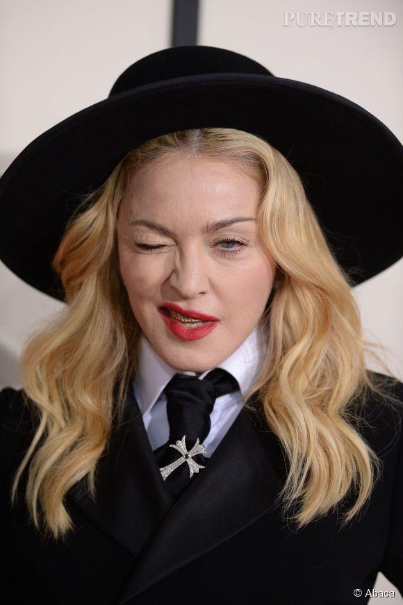 Madonna fait peur aux petits enfants - Faire peur aux oiseaux jardin ...