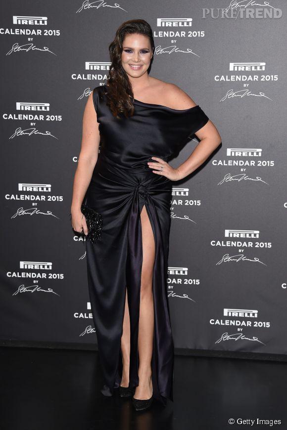 Candice Huffine, mannequin aux courbes généreuses et présente dans le calendrier Pirelli.