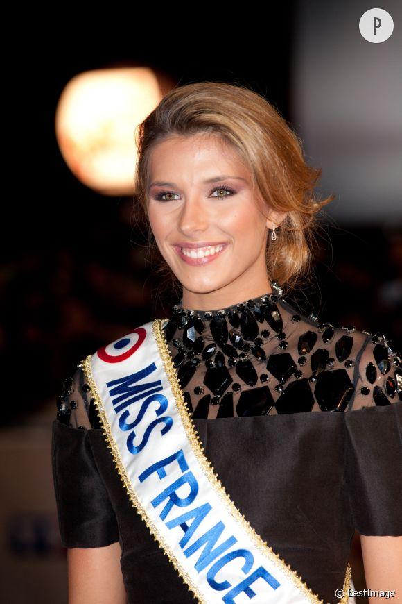 Camille Cerf, Miss france 2015, livre ses secrets de beauté au micro de MFM Radio.