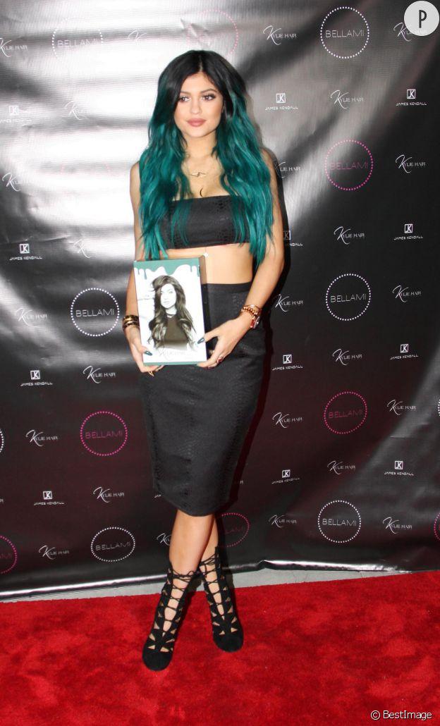 Kylie jenner transformée en bimbo en 2014.