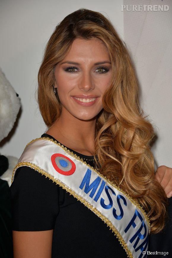 Camille Cerf, Miss France 2015, confie avoir peur pour l'avenir professionnel de son petit ami, suite à sa forte médiatisation.