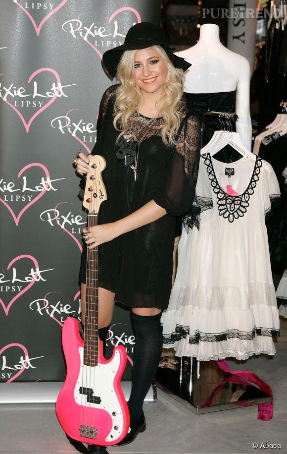 Pixie aime également les tenues rétro de toutes les années.