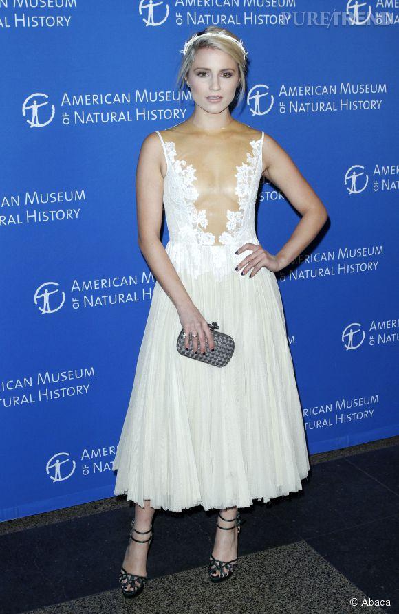 Dianna Agron, plus nymphe que déesse, la belle blonde se défend bien en 2014.