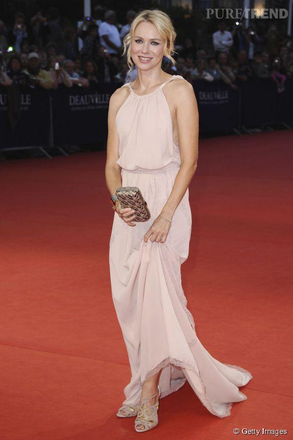 Naomi Watts, déesse pastel en Nina Ricci Resort 2012.