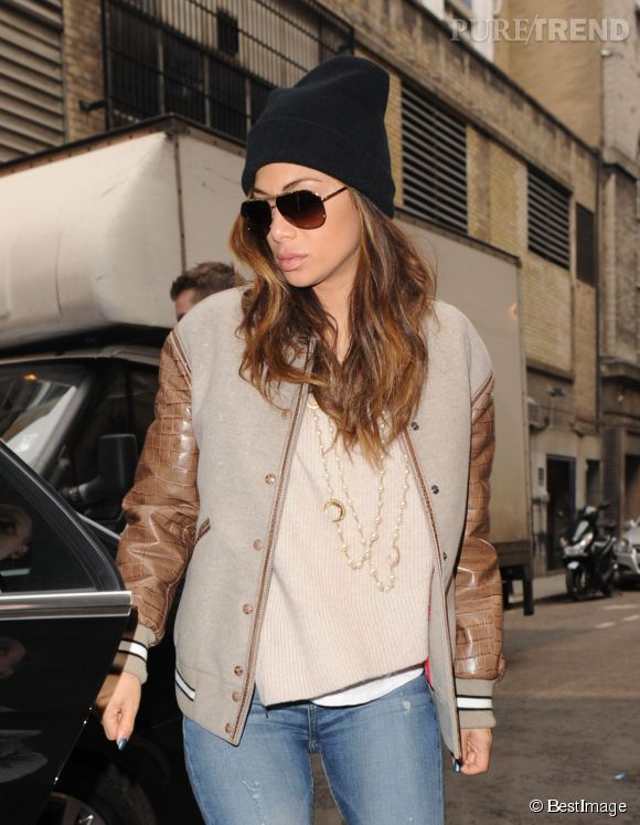 Nicole Scherzinger sexy même habillée à Londres le 4 février 2015.