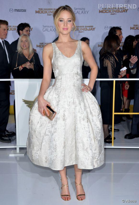 Jennifer Lawrence se dévoile plus que jamais dans un shooting réalisé par Patrick Demarchelier.