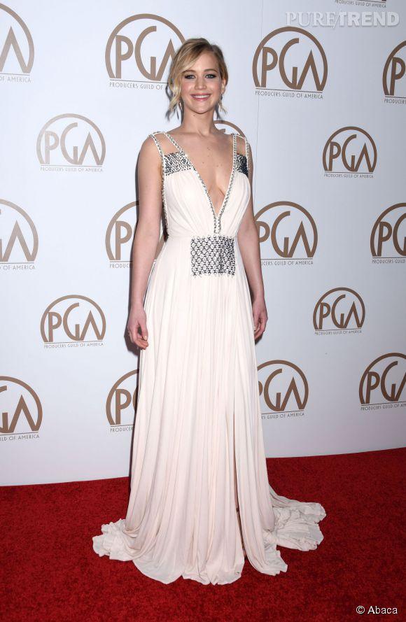Jennifer Lawrence, une superbe vestale sur le tapis rouge.