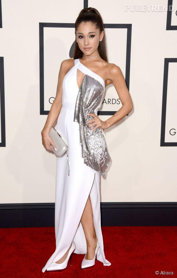 Ariana Grande inquiète ses fans, qui la soupconne d'anorexie.