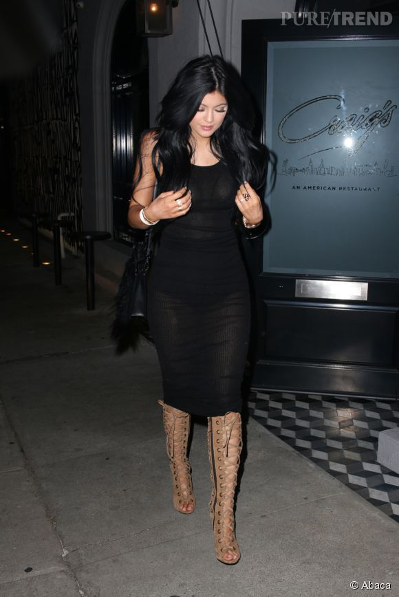 Kylie Jenner dans les pas de ses soeurs.