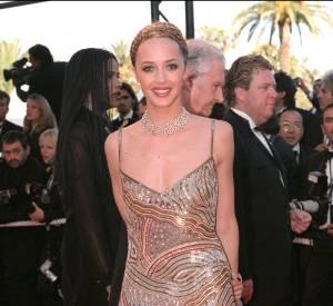 L'actrice sait comment séduire l'objectif côté tenue.