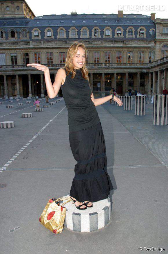 Naturelle et fun, Hélène n'hésite pas à faire son show devant les photographes.