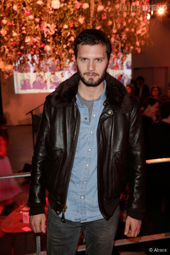 "Hugo Becker a même un air de Jamie Dornan, le sulfureux héros de ""50 Shades of Grey""."