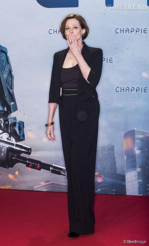 Sigourney Weaver, divine sur le red carpet à 65 ans !
