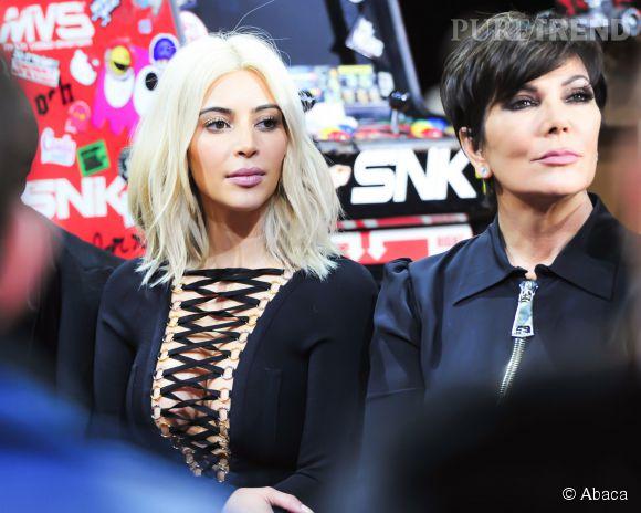 Kim Kardashian et Kris Jenner au défilé Givenchy Automne-Hiver 2015/2016, ce dimanche 8 mars 2015.