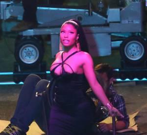 Nicki Minaj, décolleté d'enfer sur le tournage très sexy de son dernier clip