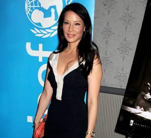 Lucy Liu dans une robe Antonio Berardi.