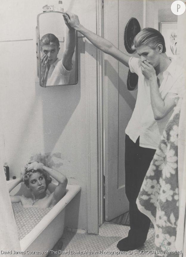 """Photo-montage par David Bowie tiré des photos du film """"The Man Who Fell to Earth"""", 1975/1976. Courtesy of The David Bowie Archive Photographies © STUDIOCANAL Films Ltd. Image © Victoria and Albert Museum. Issu de l'exposition """"David Bowie is"""", jusqu'au 31 mai 2015 à la Philharmonie de Paris."""