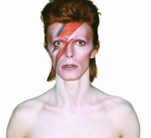 """Photographie pour la couverture de l'album """"Aladdin Sane"""", 1973. Issu de l'exposition """"David Bowie is"""", jusqu'au 31 mai 2015 à la Philharmonie de Paris."""