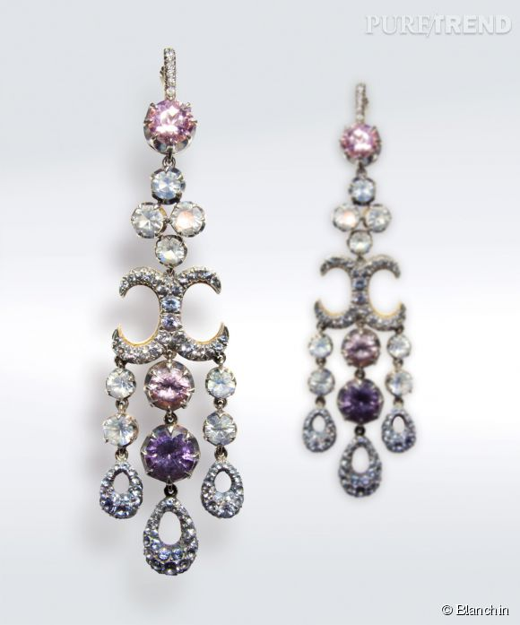Boucles d'oreilles Pussy Willow Diamants, spinelles roses, grises, parme et lilas et pierres de lune sur or rose et argent.