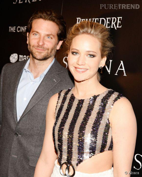 """Bradley Cooper et Jennifer Lawrence bien assortis à la projection de """"Serena"""" à New York le 21 mars 2015."""