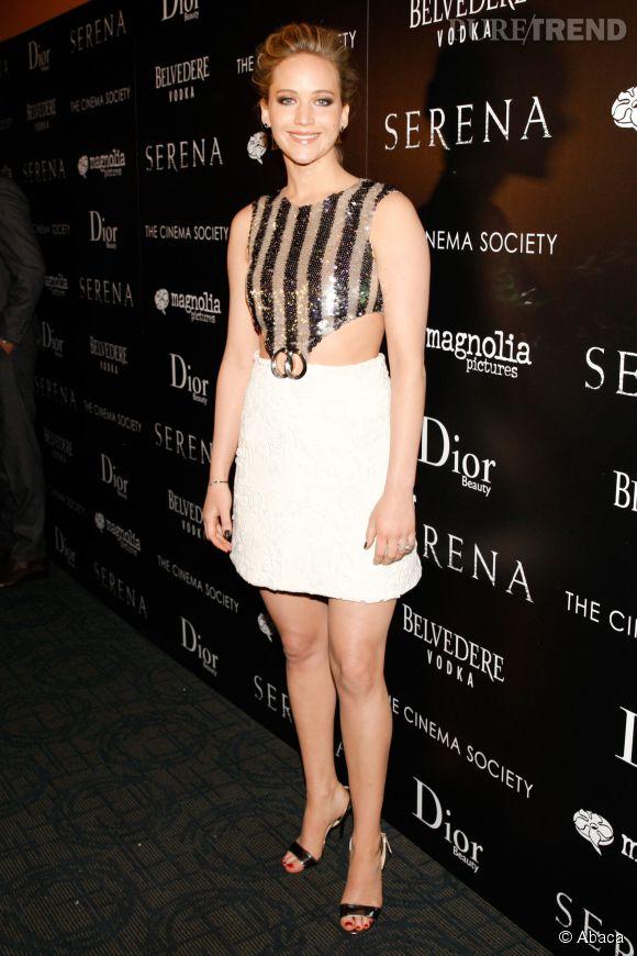 """Jennifer Lawrence en Christian Dior à la projection de """"Serena"""" à New York le 21 mars 2015."""