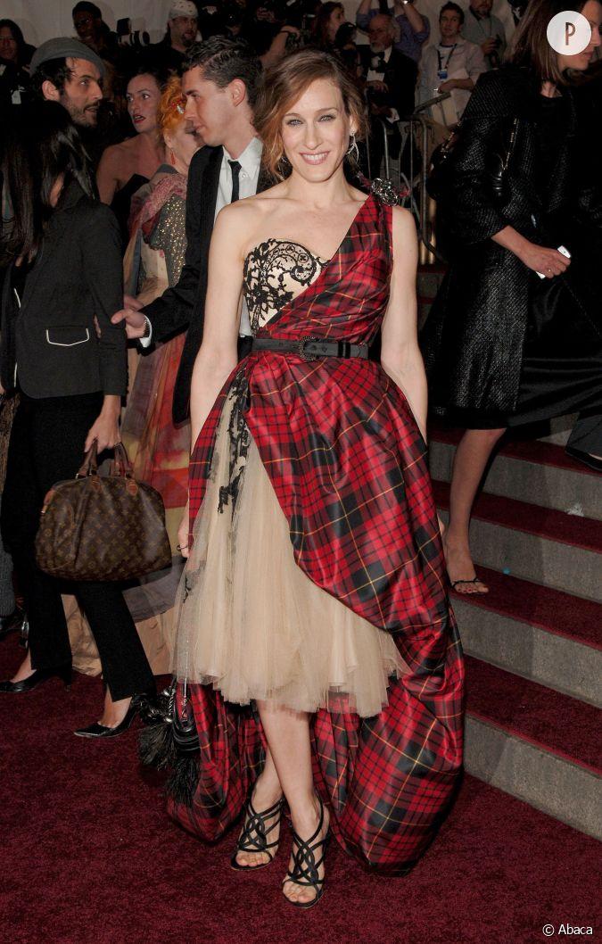 sarah jessica parker en robe carreaux cossais sign e