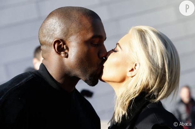 Kanye West et Kim Kardashian feraient un peu trop l'amour...