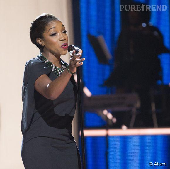 Estelle a poussé la chansonnette sur la scène des Black Girls Rock.