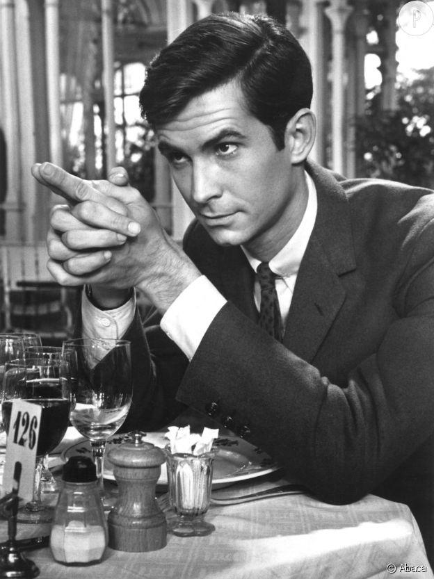 C'est le jeune Anthony Perkins qui a été choisi pour jouer Norman Bates.