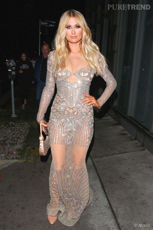 Paris Hilton se rend à l'ouverture de la nouvelle boutique Charbel Zoe à Melrose Place le 7 avril 2015.