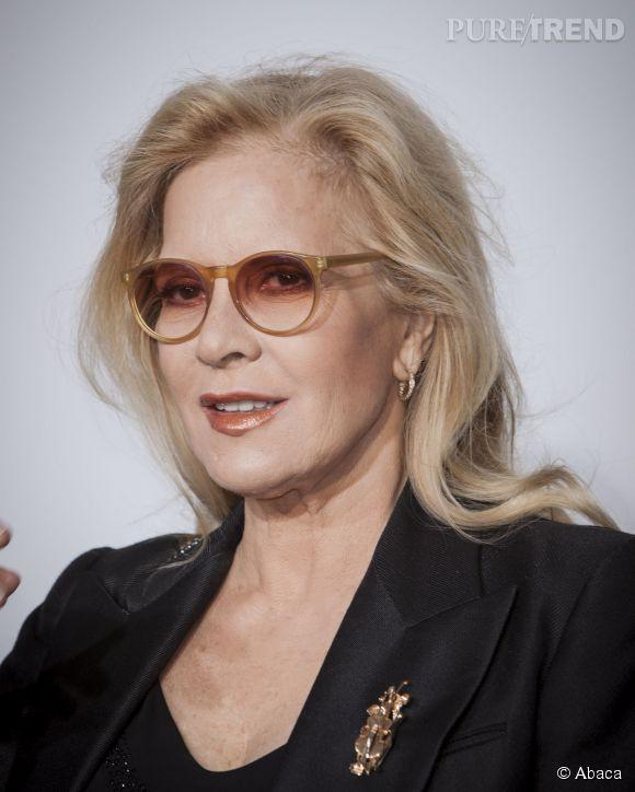 Sylvie Vartan : à 70 ans, la chanteuse est une mère et une grand-mère impliquée.