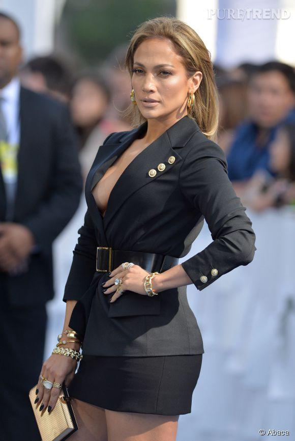 Jennifer Lopez aux MTV Movie Awards 2015.