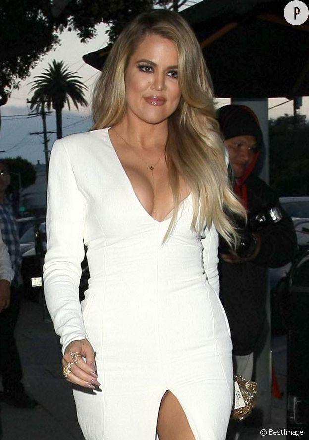 Khloe Kardashian, les seins à l'air à L.A.