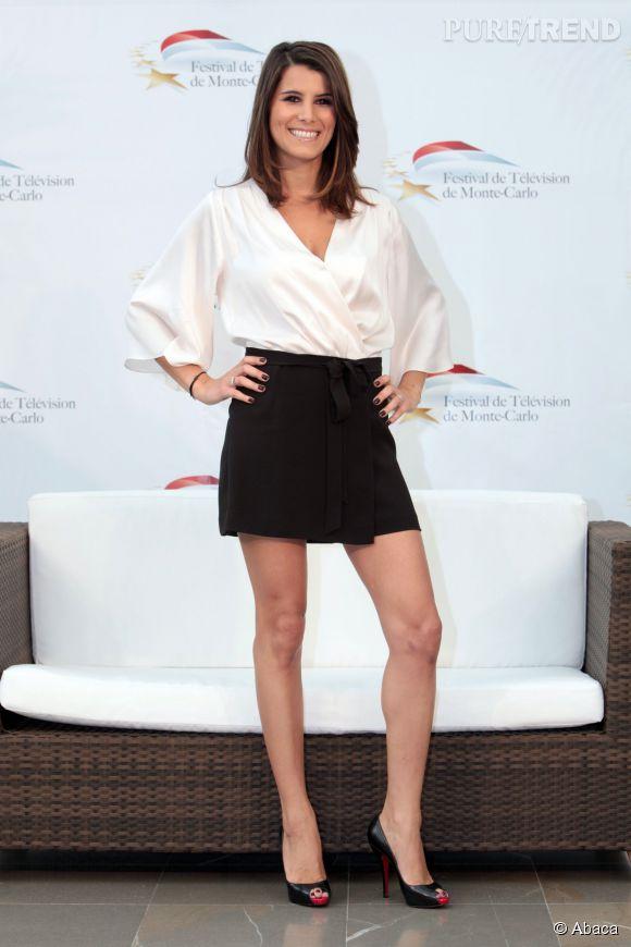 Karine Ferri sublime dans ce petit ensemble noir et blanc au Festival TV de Monte Carlo en juin 2010.