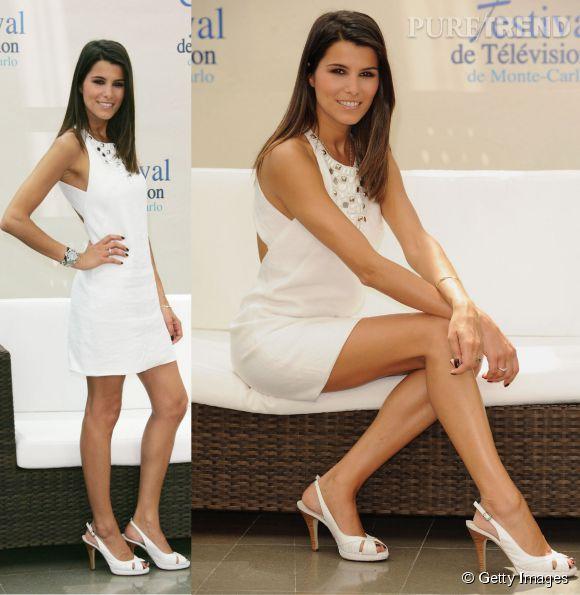 Karine Ferri sexy dans une robe blanche dos nu au Festival TV de Monte Carlo en juin 2009.