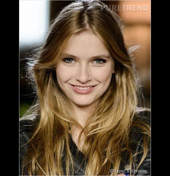 """Camille Razat est le jeune comédienne qui interprète Léa, l'adolescente qui s'est volatilisée dans """"Disparue"""", sur France 2."""