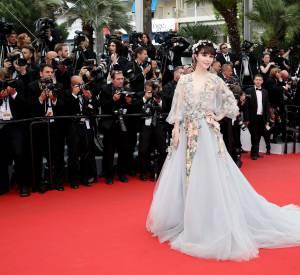 """Fan Bingbing en Marchesa lors de la montée des marches de """"Mad Max : Fury Road"""" ce jeudi 14 mai 2015, au Festival de Cannes."""