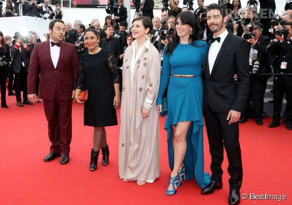 """Nadine Labaki, Isabella Rossellini, Haifaa al-Mansour et Tahar Rahim lors de la montée des marches de """"Mad Max : Fury Road"""" ce jeudi 14 mai 2015, au Festival de Cannes."""