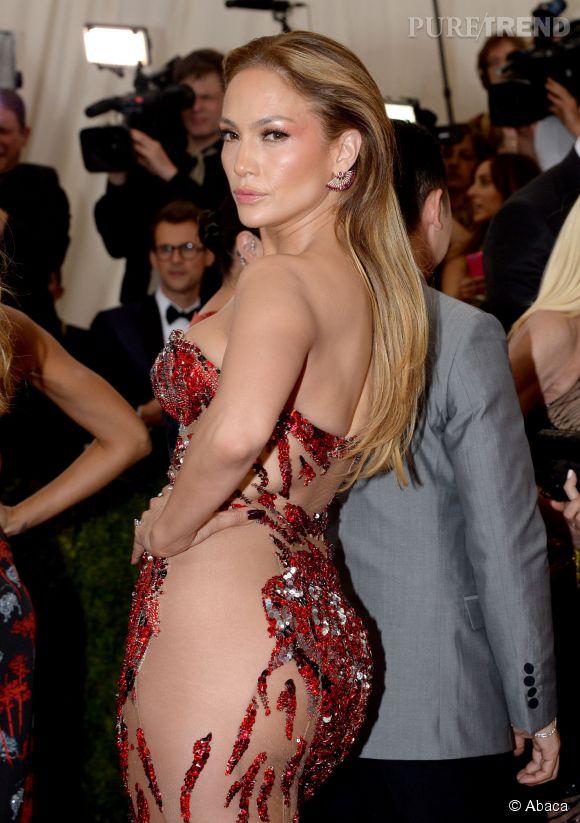 Jennifer Lopez au Met Gala 2015.
