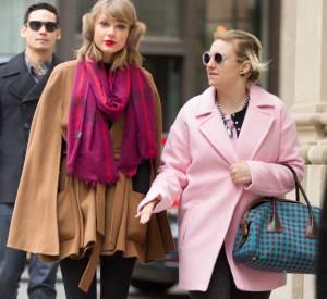 Lena Dunham est amie avec Taylor Swift, une star qui elle correspond en tous points à l'idéal de beauté hollywoodien.