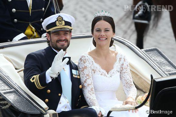 En épouse Carl Philip de Suède, Sofia Hellqvist est devenue Son Altesse royale la princesse Sofia de Suède, duchesse de Värmland.