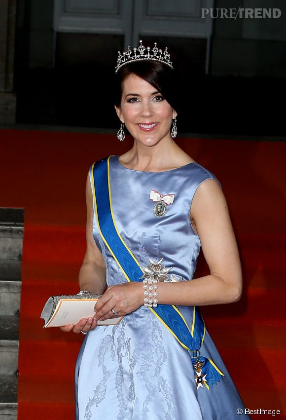 La princesse Mary de Danemark était présente au mariage de Carl Philip de Suède et de Sofia Hellqvist.