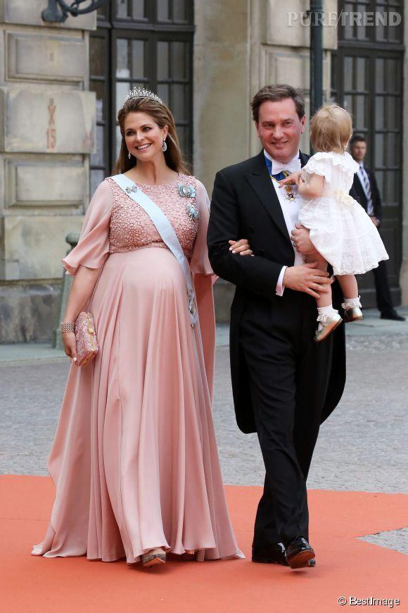 La princesse Madeleine de Suède affiche de jolies rondeurs !