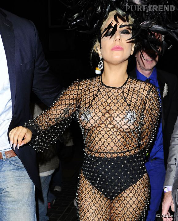 Lady Gaga accro aux looks sexy.